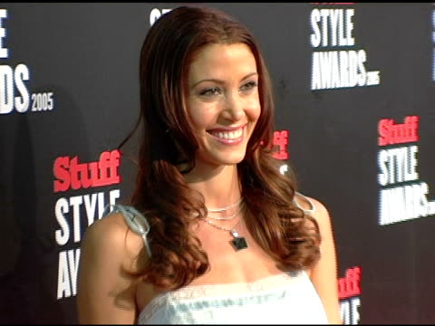 stockvideo's en b-roll-footage met shannon elizabeth at the 2005 stuff style awards inside at the roosevelt hotel in hollywood california on september 7 2005 - shannon elizabeth