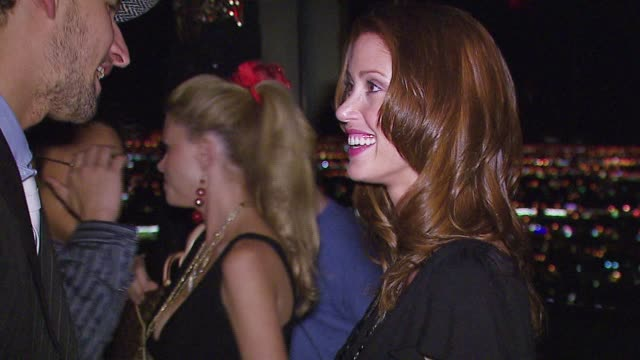 stockvideo's en b-roll-footage met shannon elizabeth at the the playboy club vip grand opening at the palms hotel and casino at the palms hotel casino in las vegas nevada on october 7... - shannon elizabeth