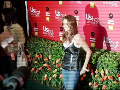 stockvideo's en b-roll-footage met shannon elizabeth at the us weekly hot hollywood awards at republic restaurant and lounge in los angeles california on april 26 2006 - shannon elizabeth