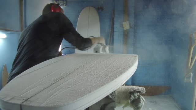 shaping surf boards - molding a shape stock videos & royalty-free footage