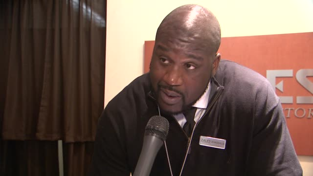 """shaq talks about his new line of jewelry and partnership with zales at shaquille o'neal surprises holiday shoppers by """"working"""" behind counter at... - shaquille o'neal stock videos & royalty-free footage"""