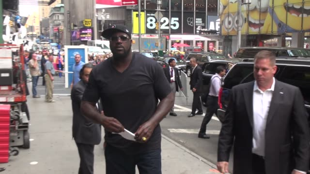 shaquille o'neal at the 'good morning america' studio in new york, ny, on 8/1/13. - shaquille o'neal stock videos & royalty-free footage