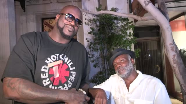 shaquille o'neal friends on harvey levin redd foxx with kobe bryant eieio at mastros in la at celebrity sightings in los angeles shaquille o'neal... - kobe bryant stock videos & royalty-free footage