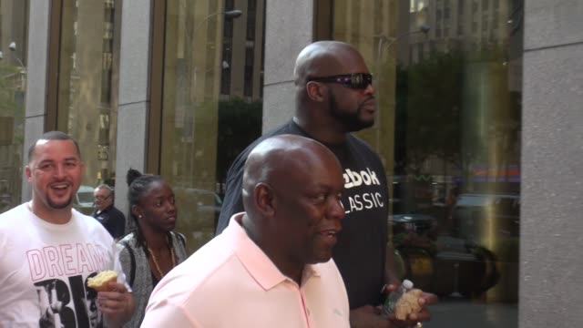 shaquille o'neal walking into siriusxm satellite radio - celebrity sightings in new york on august 11, 2014 in new york city. - shaquille o'neal stock videos & royalty-free footage