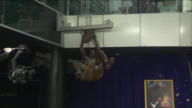 shaquille o'neal's statue unveiled outside staples center - shaquille o'neal stock videos & royalty-free footage