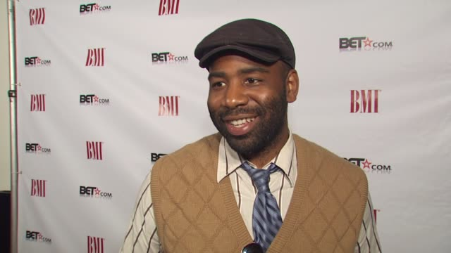 vídeos y material grabado en eventos de stock de shariff hasan on making a film on the jerking movement. at the salute to bmi's bet awards nominees at los angeles ca. - black entertainment television