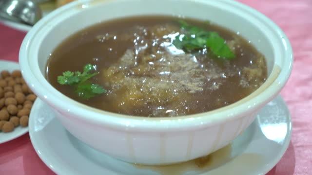 Shark fin in brown sauce