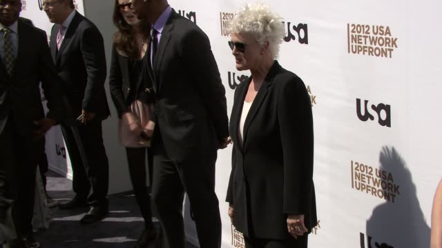 sharon gless at 2012 usa network upfront event at alice tully hall, lincoln center on may 17, 2012 in new york, new york - sharon gless stock videos & royalty-free footage