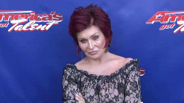 """sharon osbourne at """"america's got talent"""" - red carpet at new jersey performing arts center on july 02, 2012 in newark, new jersey - シャロン オズボーン点の映像素材/bロール"""