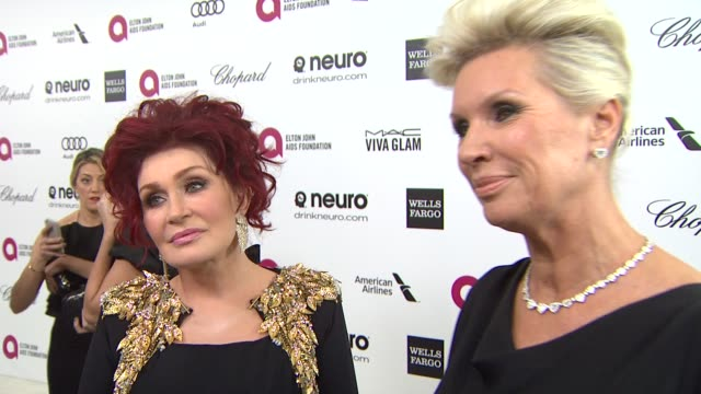 sharon osbourne, karen buglisi at elton john aids foundation presents 22nd annual academy awards viewing party sponsored by chopard, neuro drinks and... - シャロン オズボーン点の映像素材/bロール