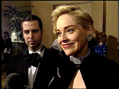 sharon stone at the 1993 golden globe awards at the beverly hilton in beverly hills california on january 23 1993 - anno 1993 video stock e b–roll
