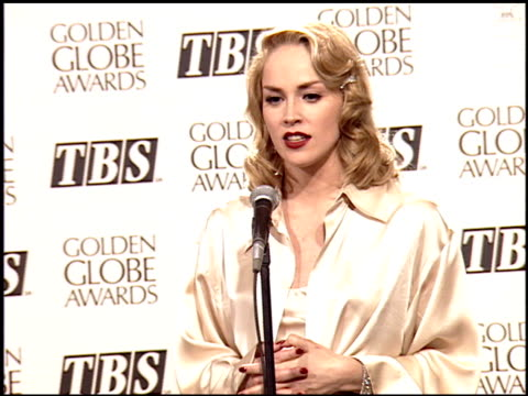 sharon stone at the 1995 golden globe awards at the beverly hilton in beverly hills, california on january 21, 1995. - 1995 bildbanksvideor och videomaterial från bakom kulisserna