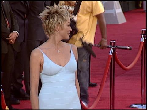 vídeos y material grabado en eventos de stock de sharon stone at the 2004 espy awards at the kodak theatre in hollywood, california on july 14, 2004. - premios espy