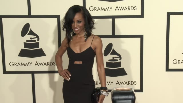 stockvideo's en b-roll-footage met shaun robinson at the 58th annual grammy awards® arrivals at staples center on february 15 2016 in los angeles california - 58e grammy awards