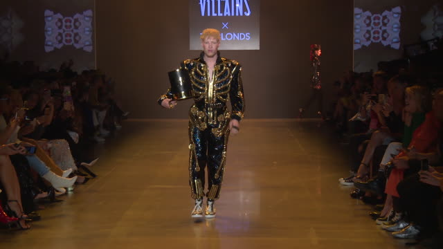 shaun ross walks the runway at disney villains x the blonds runway september 2018 new york fashion week the shows at gallery i at spring studios on... - schurke stock-videos und b-roll-filmmaterial