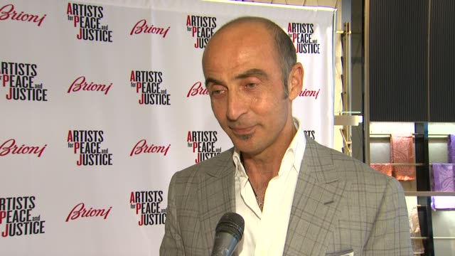 shaun toub on being a part of the night what he appreciates about the brand what he thinks of the store and it's new location how he'd describe his... - sense stock-videos und b-roll-filmmaterial