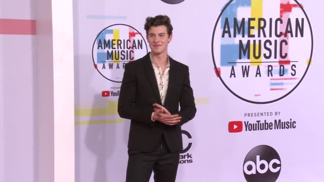 vidéos et rushes de shawn mendes at the 2018 american music awards at microsoft theater on october 09 2018 in los angeles california - american music awards