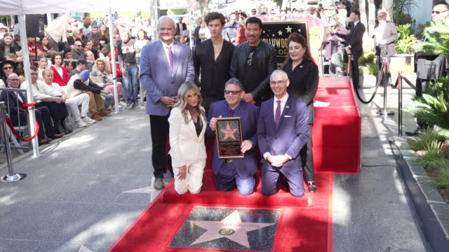 shawn mendes, lionel richie, ellen k, and sir lucian grainge at sir lucian grainge honored with a star on the hollywood walk of fame on january 23,... - ライオネル・リッチー点の映像素材/bロール