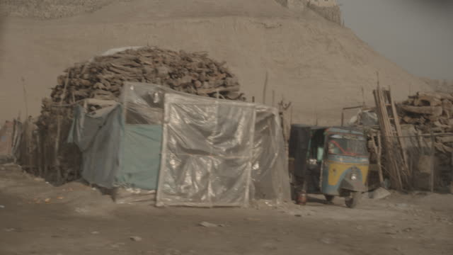 sheep market kabul - conflict stock videos & royalty-free footage