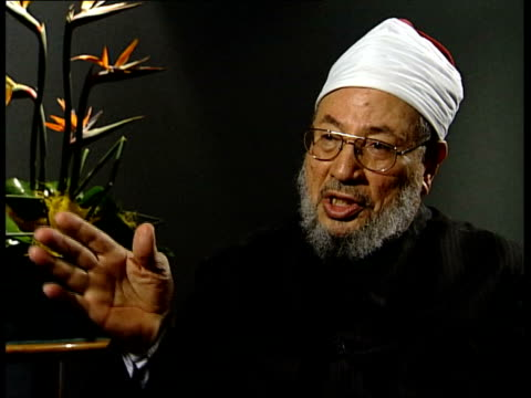 Sheikh Yusuf AlQaradawi interview SOT I do not like transgression or extremism / And this is the middle way in which the Koran insists on / This...