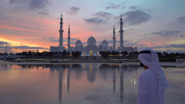 sheikh zayed bin sultan al nahyan mosque, abu dhabi, united arab emirates, uae - dish dash stock videos & royalty-free footage