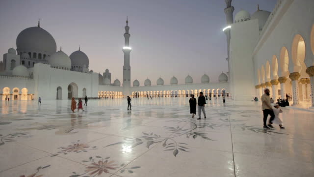 sheikh zayed grand mosque at night abu dhabi - grand mosque stock videos and b-roll footage