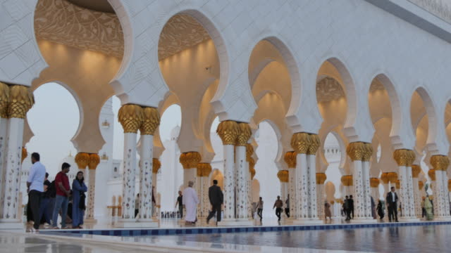 sheikh zayed grand mosque at sunset, abu dhabi, united arab emirates, middle east, asia - grand mosque stock videos and b-roll footage