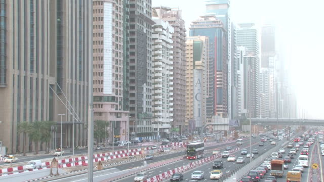 sheikhzayedroad dubai view of sheikhzayedroad also known as e11 the longest road in the emirates stretching from abudhabi to ras alkhaimah - artery stock videos & royalty-free footage