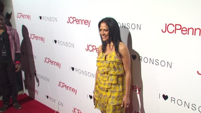 vídeos de stock, filmes e b-roll de sheila e at the charlotte ronson and jcpenney spring cocktail jam at hollywood ca - sheila e