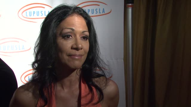 vídeos de stock, filmes e b-roll de sheila e on the event the economy's impact on charity at the 9th annual lupus la orange ball at beverly hills ca - sheila e