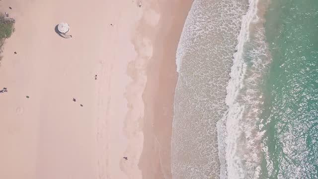 stockvideo's en b-roll-footage met shek o beach, a white sandy stretch of sand in hong kong island. aerial drone top down view - hong kong