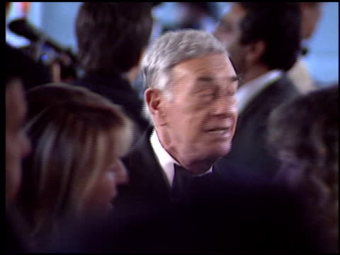 stockvideo's en b-roll-footage met shelley berman at the 2005 night of 100 stars oscar party at the beverly hilton in beverly hills, california on february 27, 2005. - 77e jaarlijkse academy awards
