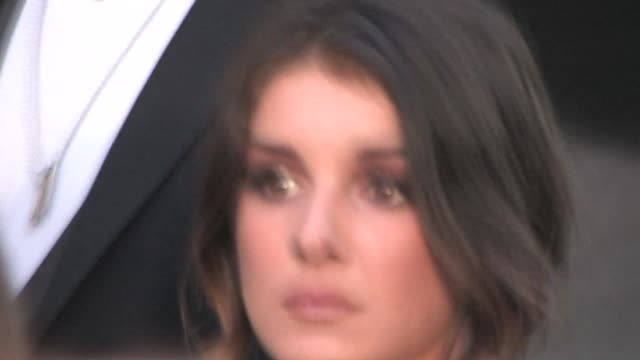 shenae grimes at the 9.02.10 beverly hills celebration at the celebrity sightings in los angeles at los angeles ca. - beverly hills点の映像素材/bロール