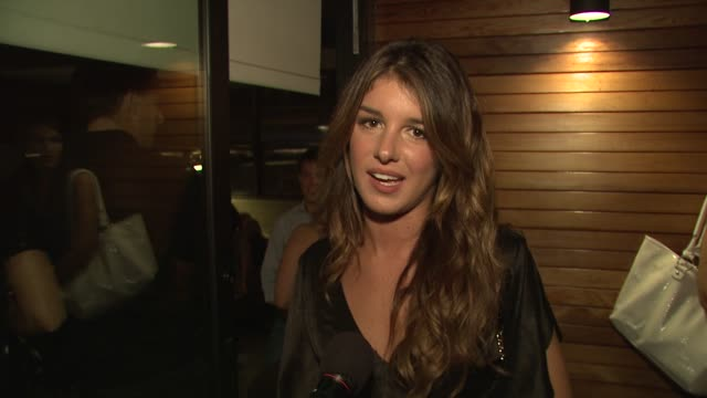 shenae grimes on the evening why she wanted to be a part of the night what she thinks of the feed backpack and where she'll wear it her love of... - evening wear stock videos & royalty-free footage
