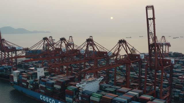shenzhen port container - 造船所点の映像素材/bロール