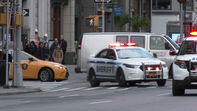 NYPD Sheriff Vehicles Running Lights & Sirens - Midtown Manhattan