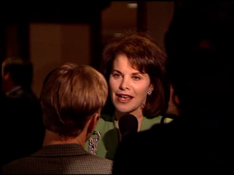 stockvideo's en b-roll-footage met sherry lansing at the 2000 producers guild of america awards at century plaza in century city california on march 3 2000 - producers guild of america