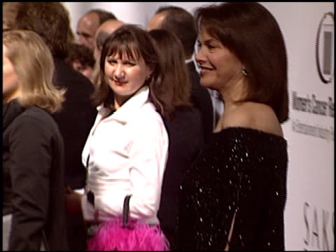 vídeos de stock, filmes e b-roll de sherry lansing at the eif courage awards at the regent beverly wilshire hotel in beverly hills, california on march 1, 2004. - regent beverly wilshire hotel