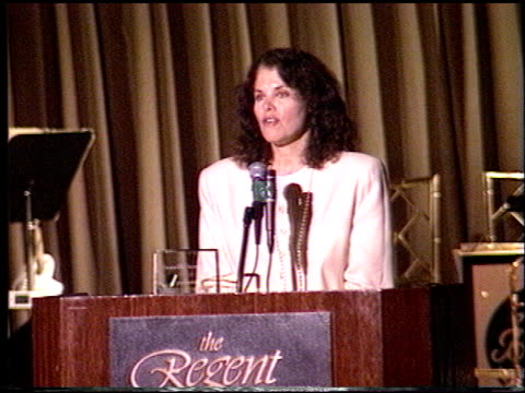 sherry lansing at the rp international vision awards at the beverly regent hotel in beverly hills, california on june 18, 1994. - ランシング点の映像素材/bロール