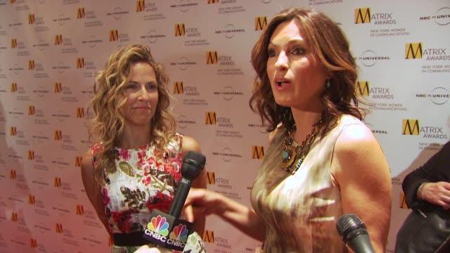 sheryl crow and mariska hargitay at the 2009 matrix awards at new york ny - sheryl crow stock videos and b-roll footage