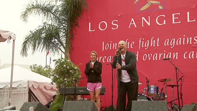sheryl crow and michael chiklis at the revlon run/walk for women celebration of 14 years in los angeles at the los angeles memorial coliseum in los... - sheryl crow stock videos & royalty-free footage