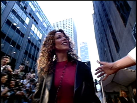 sheryl crow arriving to the 1994 mtv video music awards - sheryl crow stock videos & royalty-free footage