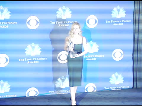 sheryl crow at the 2005 people's choice awards photo room at the pasadena civic auditorium in pasadena california on january 10 2005 - sheryl crow stock videos and b-roll footage