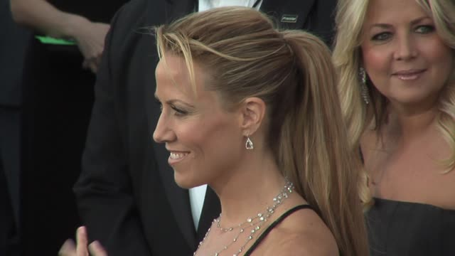 sheryl crow at the 2006 grammy awards arrivals at the staples center in los angeles california on february 8 2006 - sheryl crow stock videos & royalty-free footage