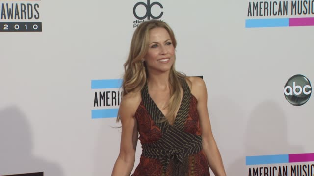 Sheryl Crow at the 2010 American Music Awards Arrivals at Los Angeles CA
