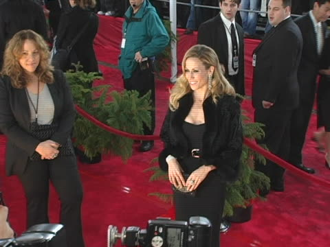 stockvideo's en b-roll-footage met sheryl crow at the 31st annual peoples choice awards arrivals at pasadena civic auditorium in pasadena ca - pasadena civic auditorium