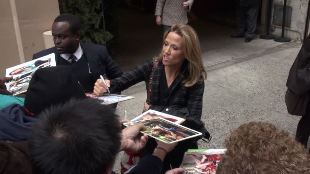 sheryl crow exits live with kelly michael show and signs autographs for fans in new york city celebrity sightings in new york city ny on 12/02/13 - sheryl crow stock videos & royalty-free footage