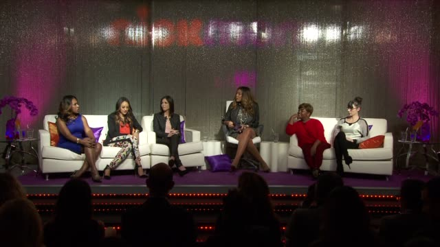 vídeos de stock e filmes b-roll de sheryl lee ralph, tia mowry-hardrict, stefanie wilder-taylor, wendy williams, sherri shepherd, and andrea rosen on shared interests they have with... - tia