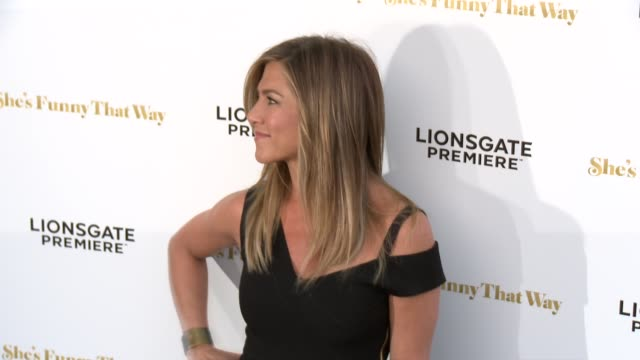 """she's funny that way"""" los angeles premiere at harmony gold theatre on august 19, 2015 in los angeles, california. - ピーター・ボグダノヴィッチ点の映像素材/bロール"""