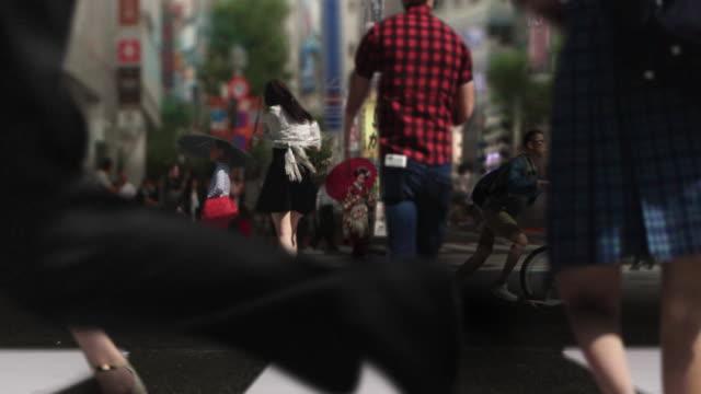 Shibuya oversteken van de kruising Geisha Maiko Parallax en Cinemagraph Tokyo Japan.